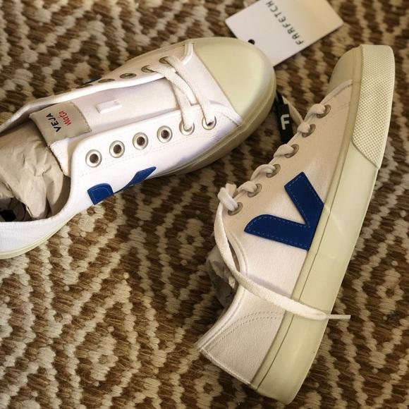 Nwt Veja Wata Canvas Sneaker